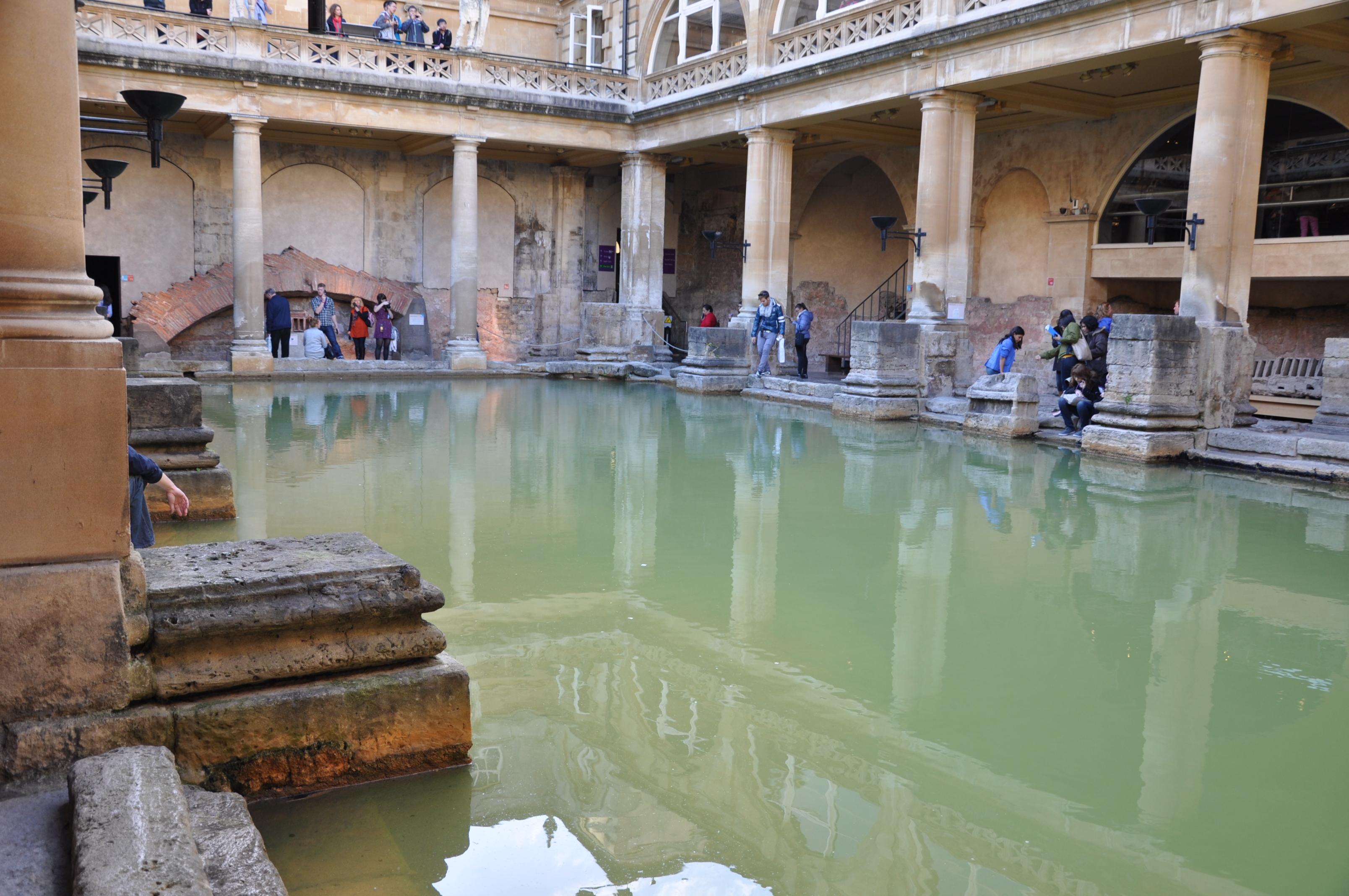 Los Baños Romano La Hedionda:Piscina principal de los Baños Romanos de Bath