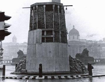 bombed_monuments_london_1940