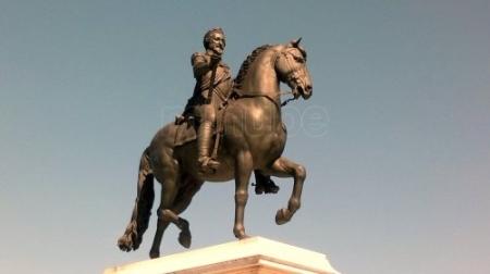la-estatua-de-enrique-iv-en-paris_6035611
