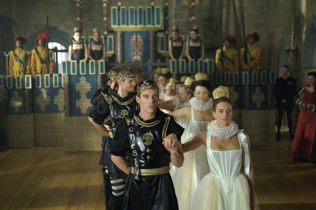 Henry_Cavill_The-Tudors_08